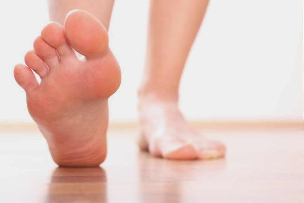 Diabetic foot care : Do's and Don't's